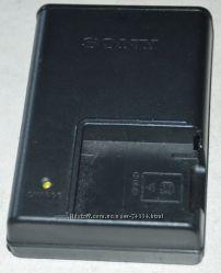 Зарядное устройство Sony BC-CSK для аккумуляторов Sony NP-BK1