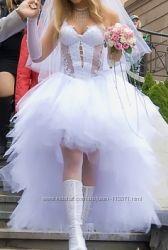 Химчистка свадебных и вечерних платьев.