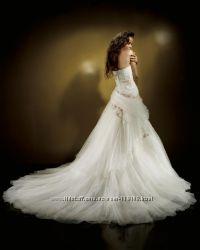 Шикарное свадебное платье Benjamin Roberts 911 оригинал