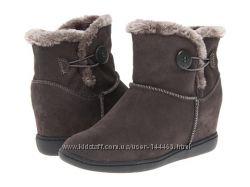 новые ботинки skechers на 38 размер